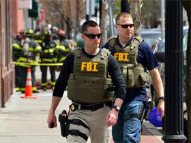 FBI曾荷枪实弹突袭Gibson,当时到底发生了什么?
