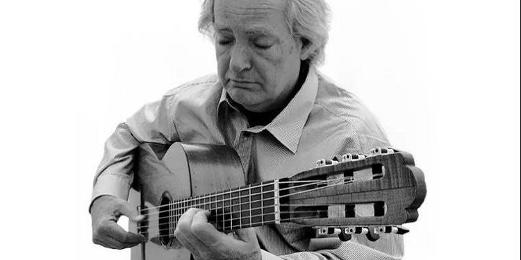 跨文化、有远见的作曲家与吉他家,多明尼康尼的罕见访谈